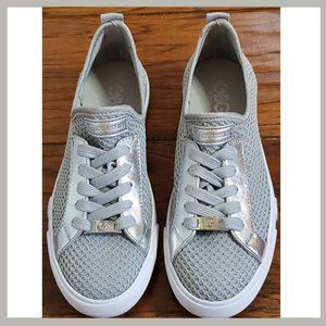 👟Guess Shoes- Silver Guess Sneakers, Silver/White